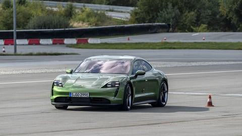 Porsche Taycan, la prova: le foto