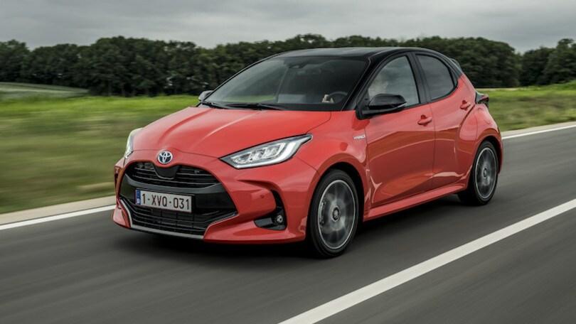 Toyota Yaris, cala il poker