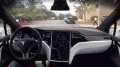 Tesla FSD, Musk annuncia l'operatività del Full Self Driving