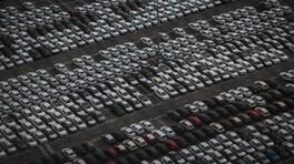 Incentivi auto, il futuro è elettrico ma gli italiani li chiedono per benzina e diesel