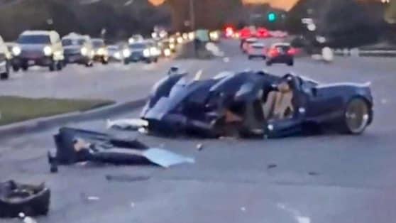 Youtuber 17enne distrugge una Pagani Huayra Roadster!