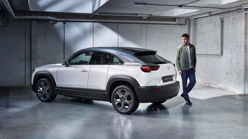 La Mazda MX-30 vista con gli occhi del designer