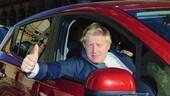 Le follie automobilistiche di Boris Johnson