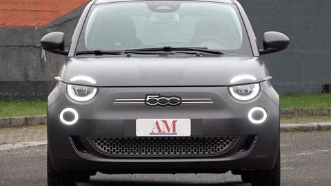 Fiat 500 elettrica, la prova su strada