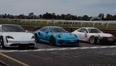 Porsche Taycan Turbo sfida in pista le 911 GT3 RS e GT3 Cup VIDEO