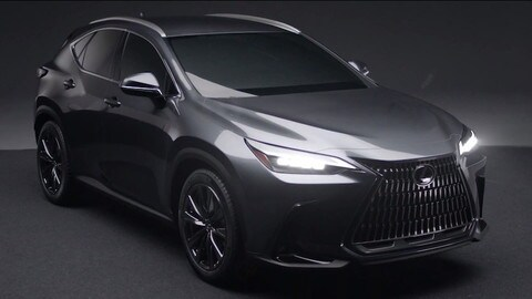 Nuova Lexus NX, prime immagini