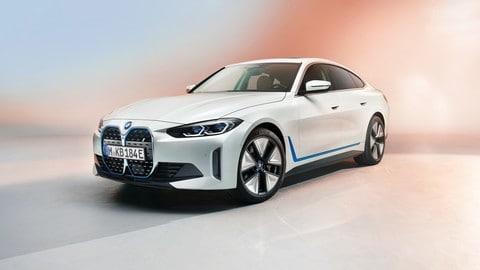 Nuova BMW i4, prime immagini