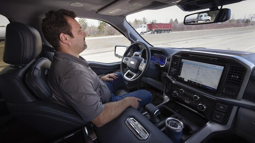 Ford BlueCruise, guida di Livello 2 senza mani su Mustang Mach-E