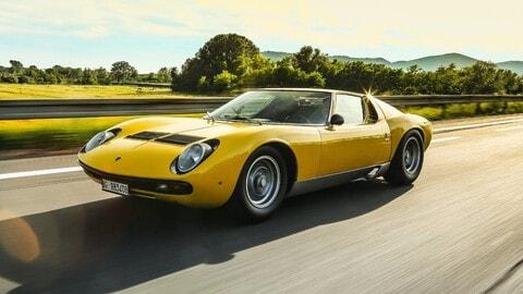 Lamborghini Miura SV compie 50 anni