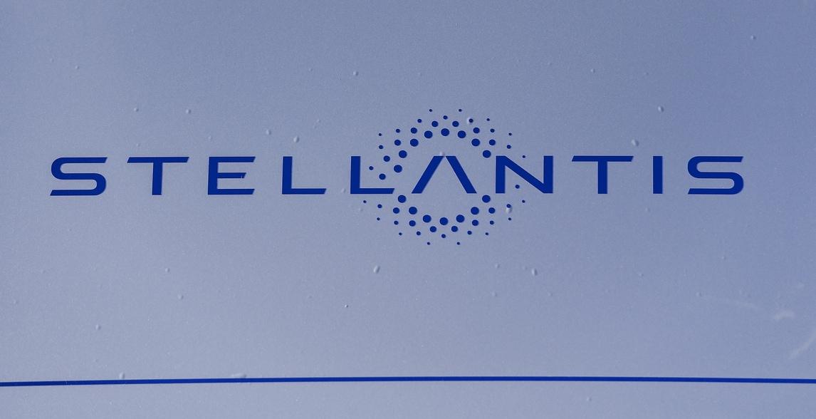 """Stellantis, rivoluzione elettrica. Tavares: """"Pronti a ridefinire la mobilità in tutto il mondo"""""""