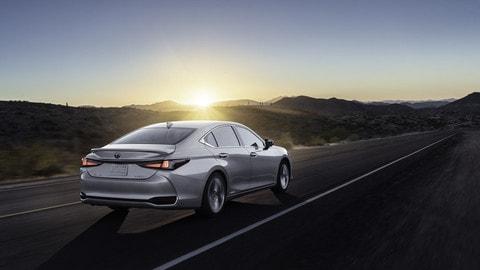 Nuova Lexus ES 2021