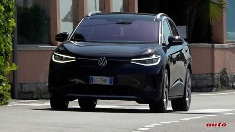 Volkswagen ID.4, la prova su strada