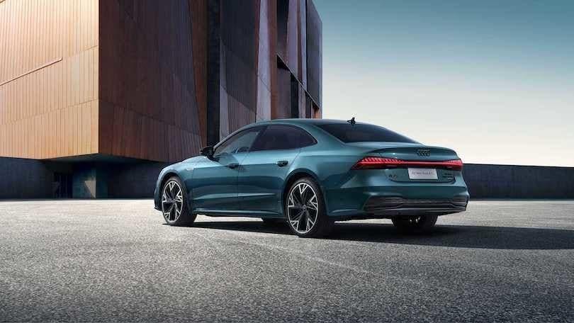 Audi A7 L, la maxi-berlina ibrida svelata al Salone di Shanghai