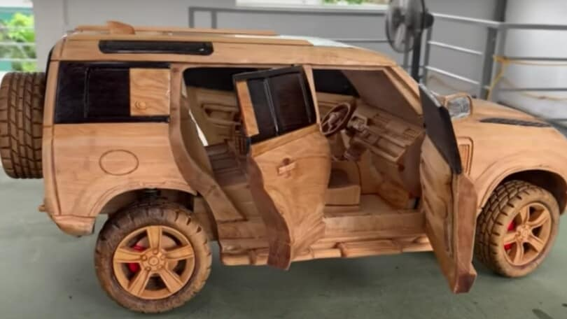 Land Rover Defender, modellino in legno che unisce arte e tecnica