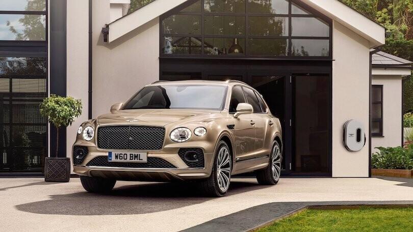 Bentley, il suv elettrico nel 2025: i nodi tra peso e design