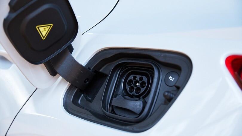 Smartphone, anche Oppo potrebbe produrre l'auto elettrica