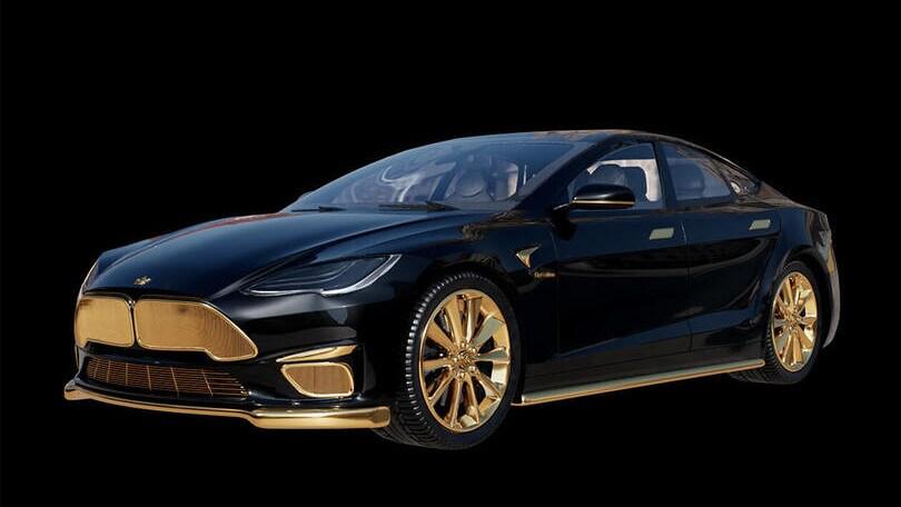 Tesla, ecco la Model S Plaid placcata in oro