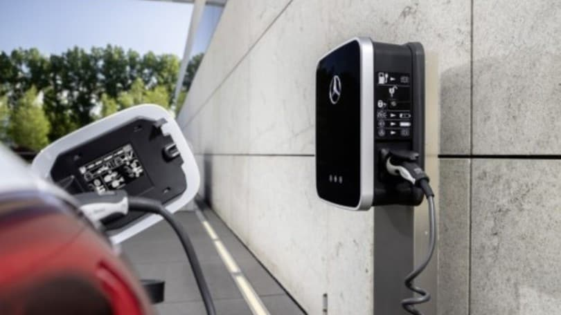 Auto elettriche, più convenienti delle endotermiche entro il 2027