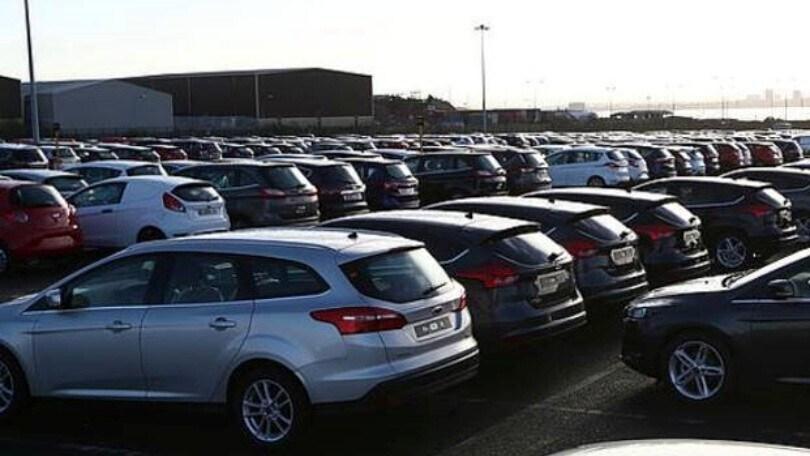 Mercato auto, tornano a salire i prezzi del nuovo: stabile l'usato