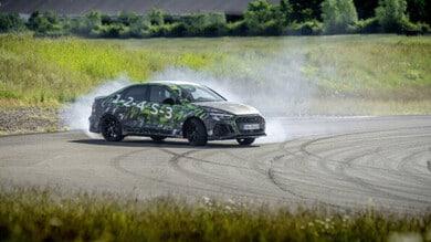 La nuova Audi RS 3 cede al fascino del drifting