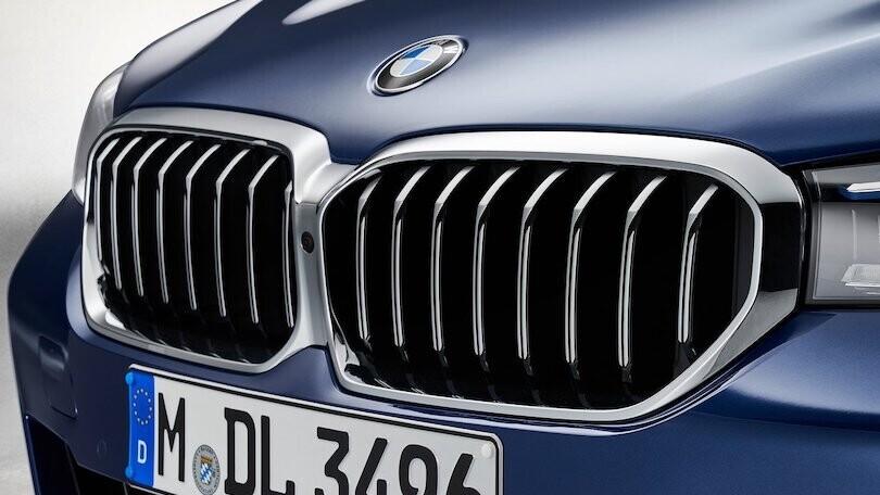 Nuova BMW Serie 5, elettrica e ibrida inaugurano lo sviluppo