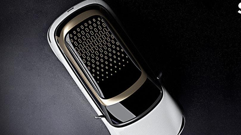 smart crossover elettrico conferma il debutto al Salone di Monaco