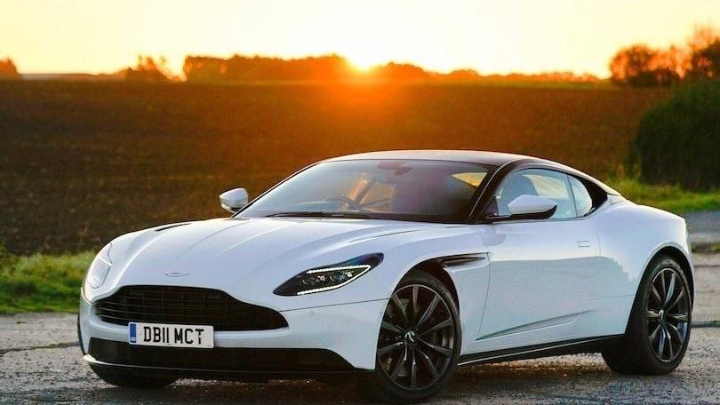 Aston Martin, DB11 e Vantage le prime a diventare elettriche