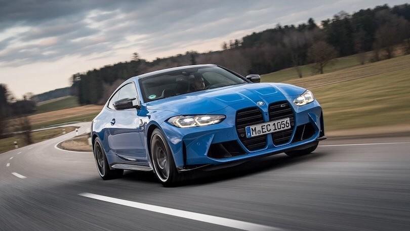Nuova BMW M4 CSL, più cavalli e aerodinamica rivista