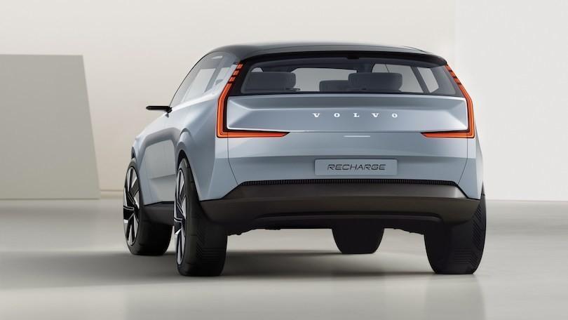 Volvo, via le sigle dai nuovi modelli: le elettriche avranno nomi veri