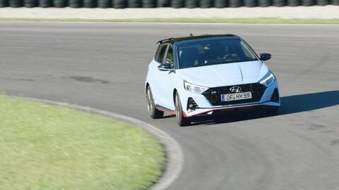 Hyundai i20N, la hot hatch scende in pista