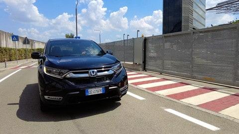 Honda CR-V, il test drive della black edition tutta ibrida