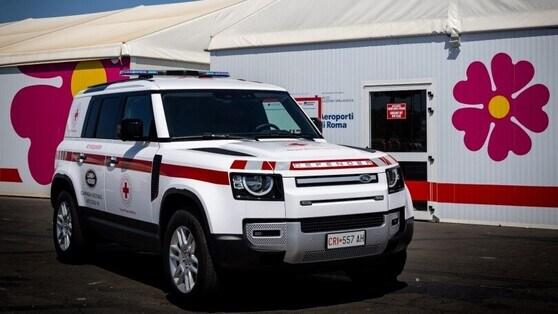 Land Rover Defender forWorks: un suv per la Croce Rossa Italiana