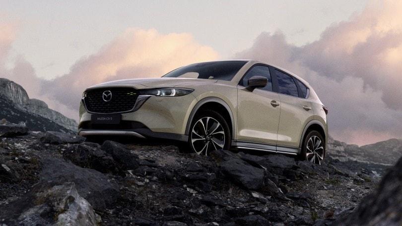 Mazda CX-5 2022: il SUV si aggiorna e si fa più possente e raffinato