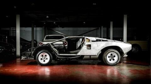 Lamborghini Countach, esemplare da restaurare in vendita a 200.000 euro circa