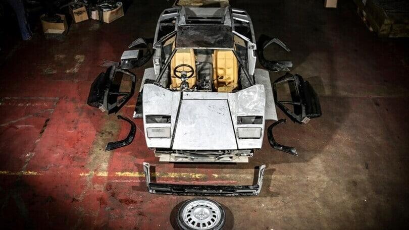 Lamborghini Countach, 200.000 euro per un esemplare da restaurare