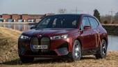 BMW, energia idroelettrica locale per le fabbriche di iX e i4