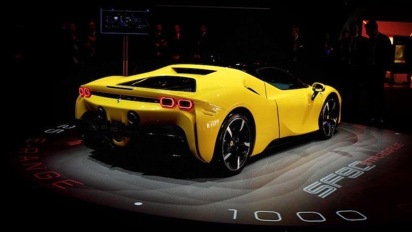 """Elkann: """"Una Ferrari a guida autonoma? Guidare avrà un valore crescente"""""""