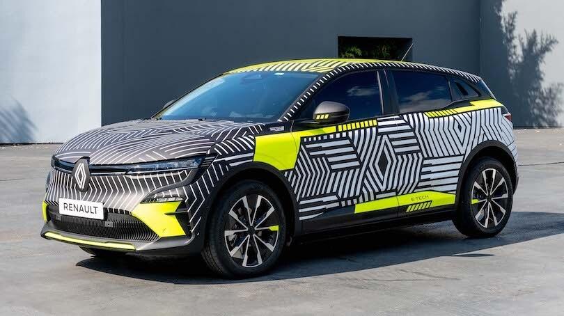 Renault Megane E-Tech, l'elettrica rivela lo stile definitivo